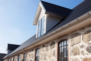 Dachpfannenblech Wohnhaus Ral 9005